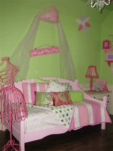 images  fancy nancy rooms  pinterest small