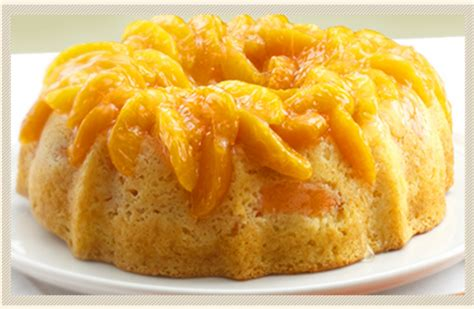 peach upside  cake lucky leaf