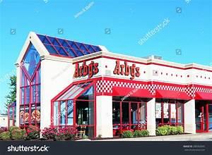 Nashville, Tn-June, 2015: Arby'S Restaurant Building. Arby ...