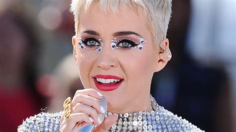 katy perry eye color katy perry googly eye makeup at witness concert