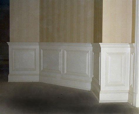 Panel Molding Wainscoting by Raised Panel Wainscoting Diy Molding Wainscoting