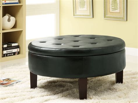 Sporting a split lift wood top that allows for handy storage, this round coffee table is sure to add a uniquely charming touch to your modern. Awesome Round Coffee Tables with Storage - HomesFeed