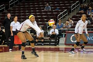 Women's volleyball heads to the road | Daily Trojan