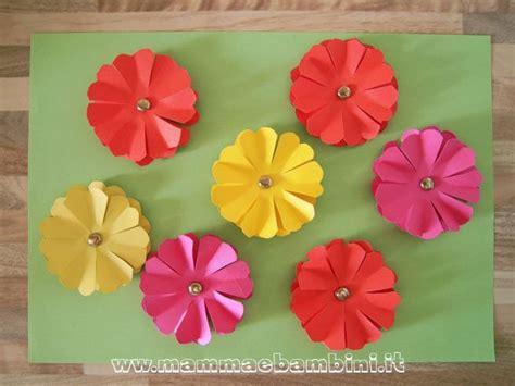 carta per fiori fiori di carta come realizzarli mamma e bambini