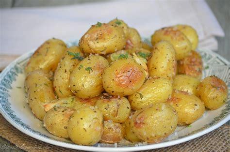 comment cuisiner les pommes de terre grenaille pommes de terre grenaille rôties au four le de c