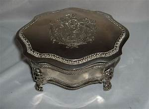 Vintage Silver Plate Hinged Jewelry Trinket Box Lion Crest  U0026 Feet Nice