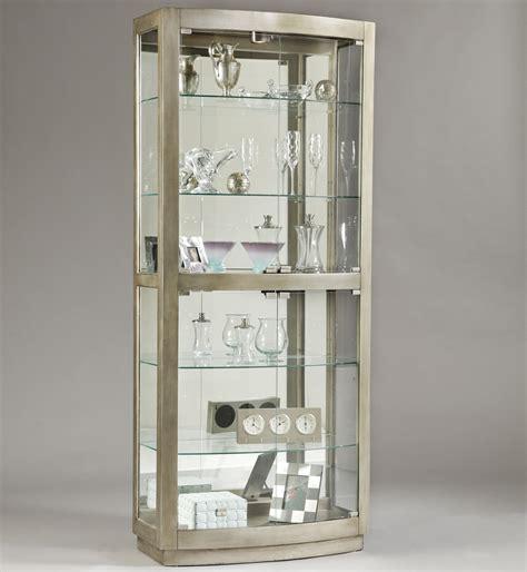 Pulaski Furniture Curios Platinum Curio Cabinet Darvin