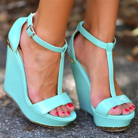 blue heels on the hunt