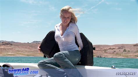 Motorboat Position Definition by Wasserski In F 228 Hrt Wasser Ski In Jeanshose