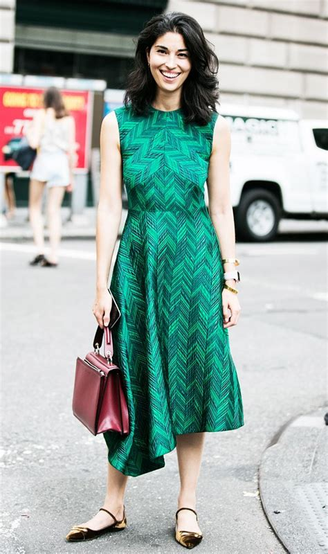14 stylish ideas to wear an emerald green dress - Page 8 of 14 - stylishwomenoutfits.com