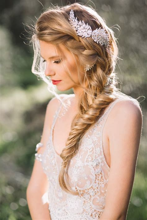 fabulous wedding hairstyles   bride tulle