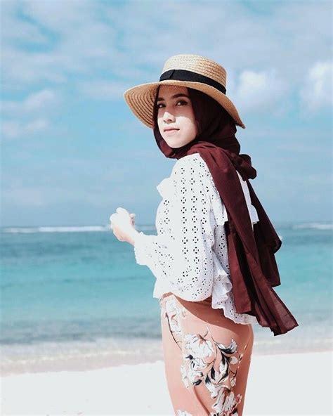 yuk contek gaya kece hijaber ameliaelle  travelling