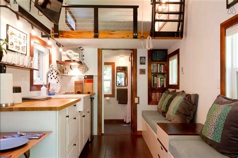 tidy tiny home   room     guest