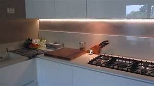 Rivestimento cucina senza senza piastrelle ti mostro la for Piastrelle x cucina