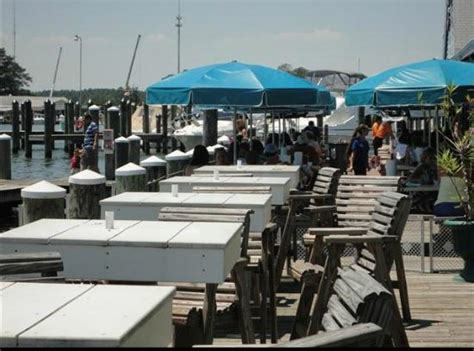 Fishermans Crab Deck Happy Hour by Crab Deck Picture Of Fisherman S Crab Deck Grasonville