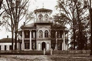 The 13 Most Bone-Chilling & Haunted Places in Alabama