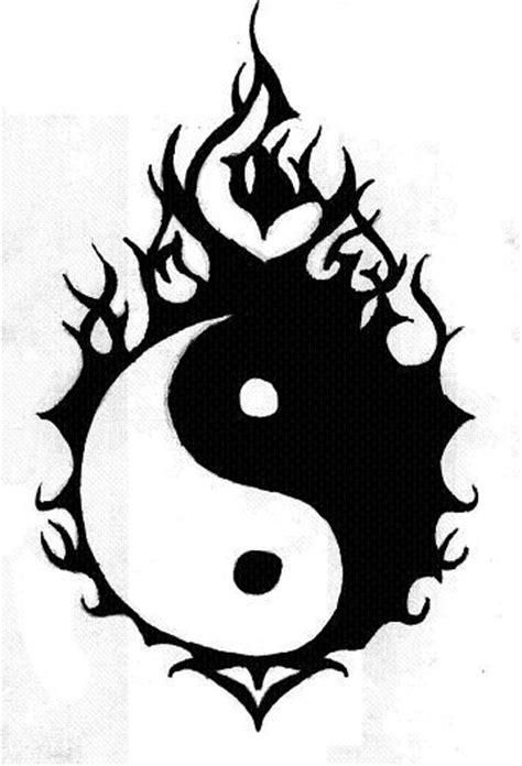 balance tattoo with dragon | justice signe intime, tattoo balance maori tribal poissons ying