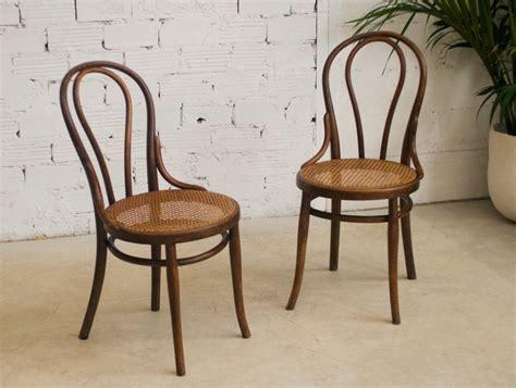 chaises de bistrot chaises bistrot anciennes table de lit