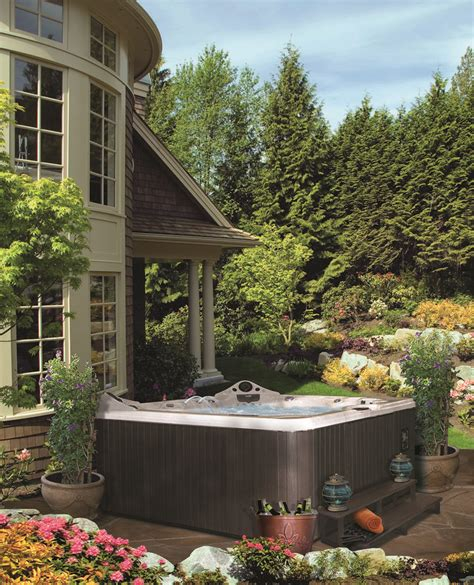 Whirlpool Gartengestaltung by Tub Landscaping For The Beginner On A Budget Front