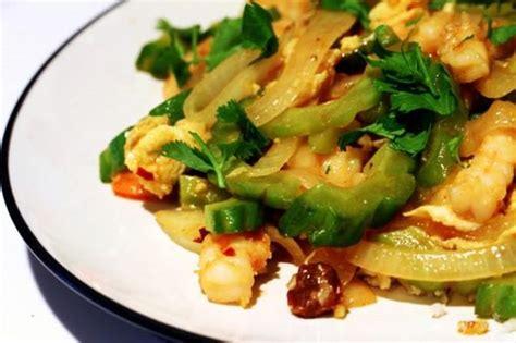 Tumis pare menjadi menu yang paling sederhana namun menggiurkan, apalagi dipadukan dengan udang rebon. Resep dan Tips Memasak Tumis Pare Udang Pedas