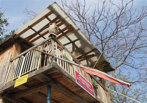 berlin s secrets a treehouse built beside the wall