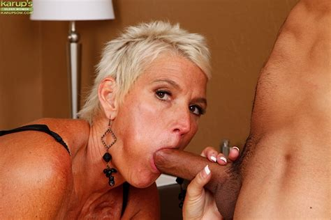 mature milf lexy cougar giving large cock blowjob in high heels