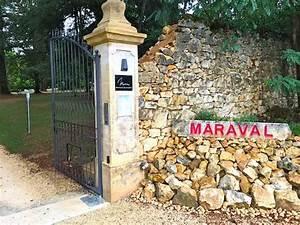 Chateau De Maraval : l 39 entr e photo de chateau de maraval cenac et saint julien tripadvisor ~ Melissatoandfro.com Idées de Décoration