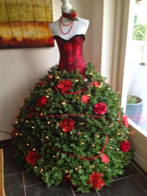suzy homefaker dress form christmas tree