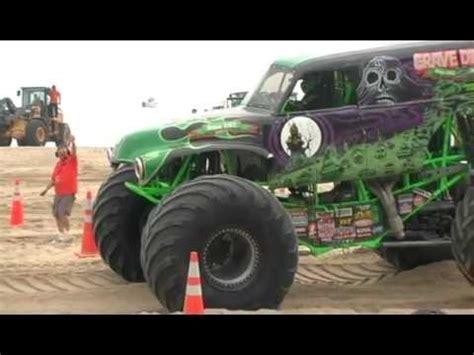 youtube monster trucks racing monster truck racing on virginia beach youtube