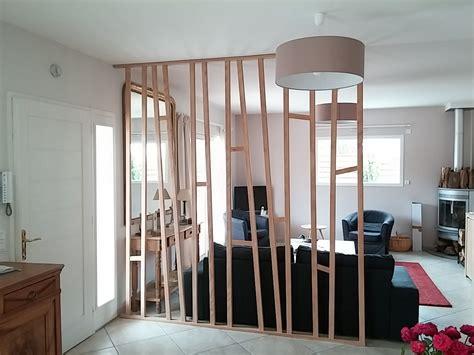 canapé d angle en palette cloison de séparation bois ajouré j chamblas