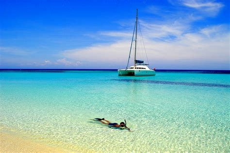 Bvi Catamaran Sailing Vacations top 10 caribbean catamarans for bvi sailing vacations
