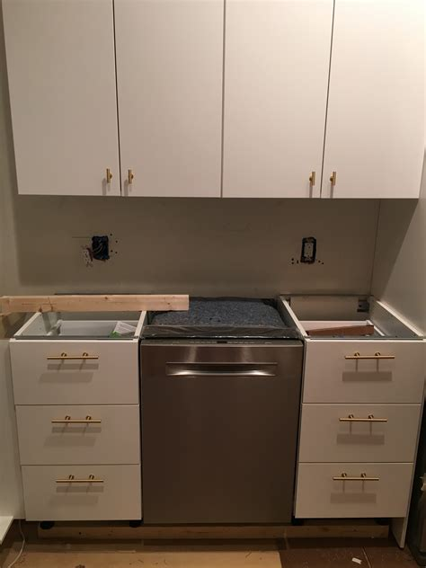 hardware for cabinets for kitchens finding non toxic kitchen cabinets gimme the stuff 7000