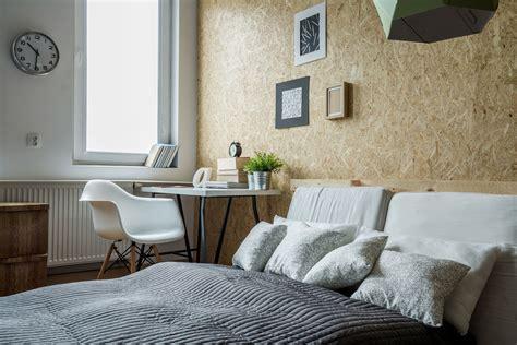panneau de chambre comment intégrer un panneau de bois osb dans votre