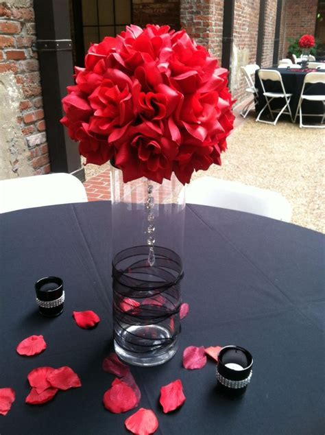 Red And Black Centerpiece Idea Tama Wedding Wedding