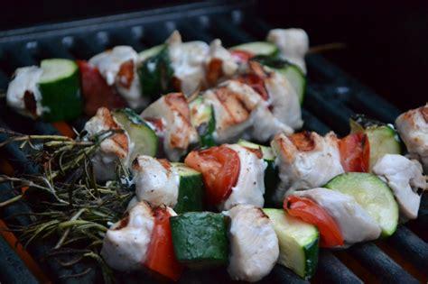 romarin cuisine brochettes rapides au poulet et romarin cuisine lifestyle