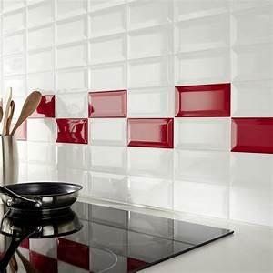 carrelage metro dans la cuisine une decoration tendance With carrelage adhesif salle de bain avec lampe barre led