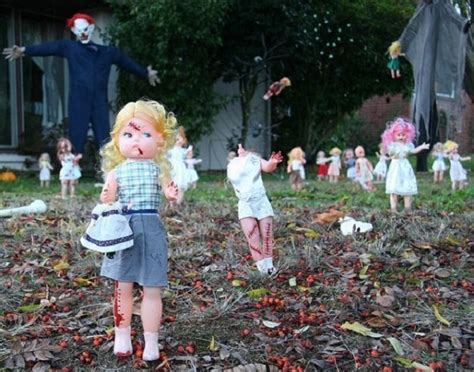 halloween decorations   scare  crap