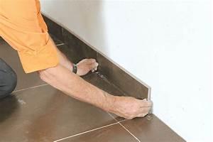 Pose Plinthe Carrelage : poser du carrelage clips sans colle ni joint bricolage ~ Premium-room.com Idées de Décoration