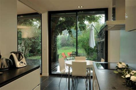 extension cuisine sur jardin agrandissement en béton d une maison bourgeoise