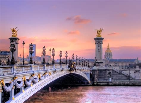 A Parigi by Travel