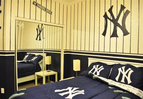 yankee bedroom decorating ideas new york yankees bedroom id do this for my room not
