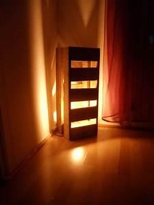 Lampe En Palette : lampe d ambiance en chutes de bois de palette david mercereau ~ Voncanada.com Idées de Décoration