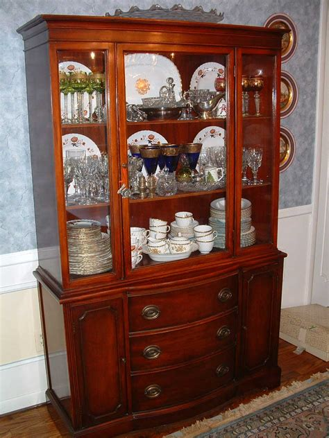 Duncan Phyfe China Cabinet by Decoration Ideas Duncan Phyfe 1940s 9 Mahogany
