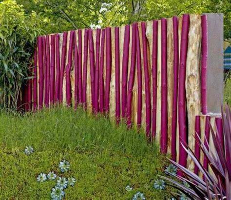 Besondere Gartenzaeune Romantisch Begruent Oder Moderner Edelstahl by Moderne Gartenz 228 Une Aus Holz Bvrao