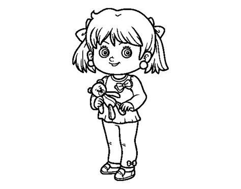 disegni bambina da stare e colorare disegno di bambina con orsacchiotto da colorare acolore
