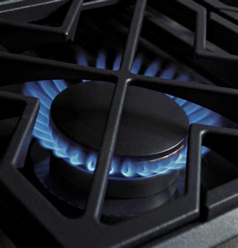ge monogram  professional gas cooktop   burners  griddle liquid propane