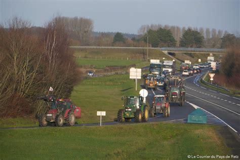 arthon en retz une quinzaine de tracteurs au ralenti entre port p 232 re et arthon en retz