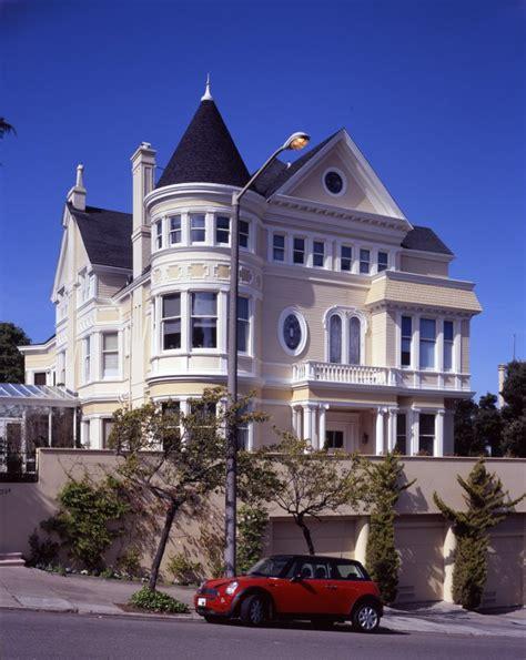 Victorian Queen Anne Style Architecture