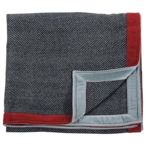plaid canapé gris plaid chevrons gris et bordure en velours pour