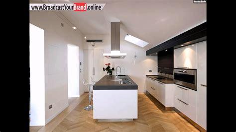 Queen Küche Design Weiße Hochglanz Fronten Graue